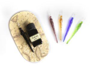 Penna calligrafica in vetro con inchiostro nero