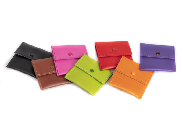 colori disponibili porta cuffiette in pelle