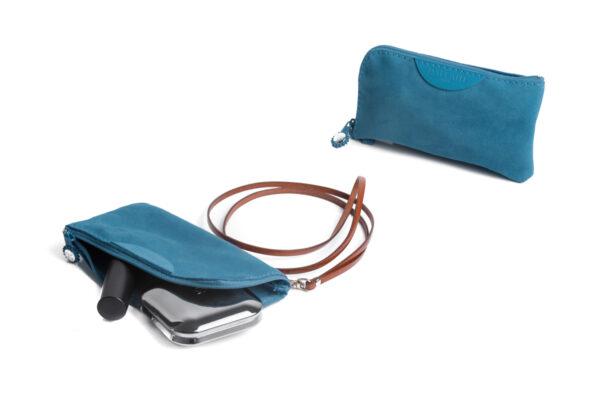 pochette porta cellulare azzurra