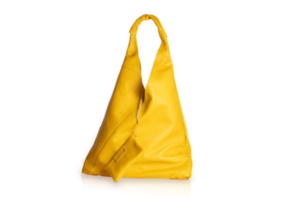 Borsa in pelle a sacco di colore giallo con astuccio interno